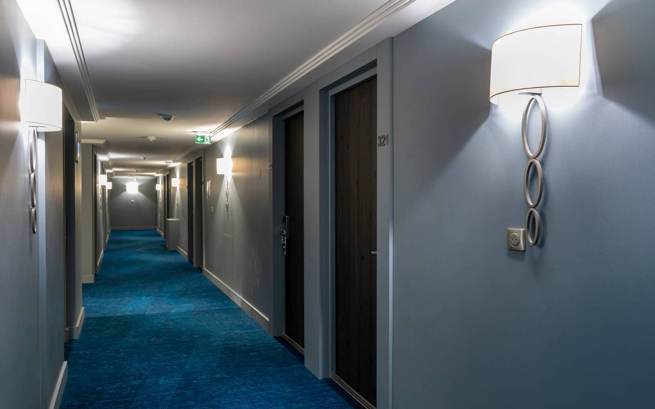 First floor with bedrooms, 4 star hotel french riviera, Juliana Hotel Cannes.