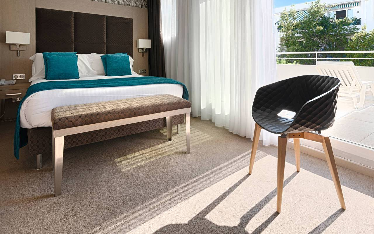 Chambre avec balcon, hotel luxe cannes, Juliana Hotel Cannes
