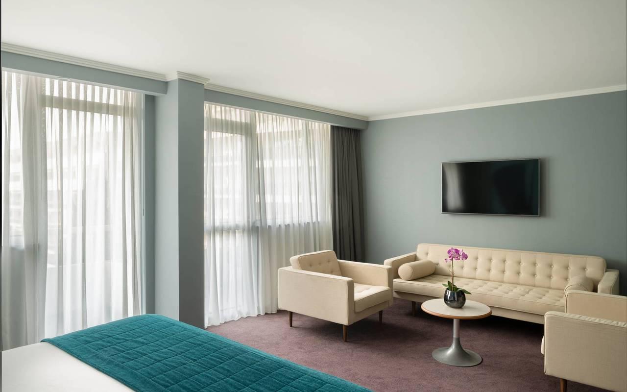 Suite avec coin salon, hotel luxe cannes, Juliana Hotel Cannes