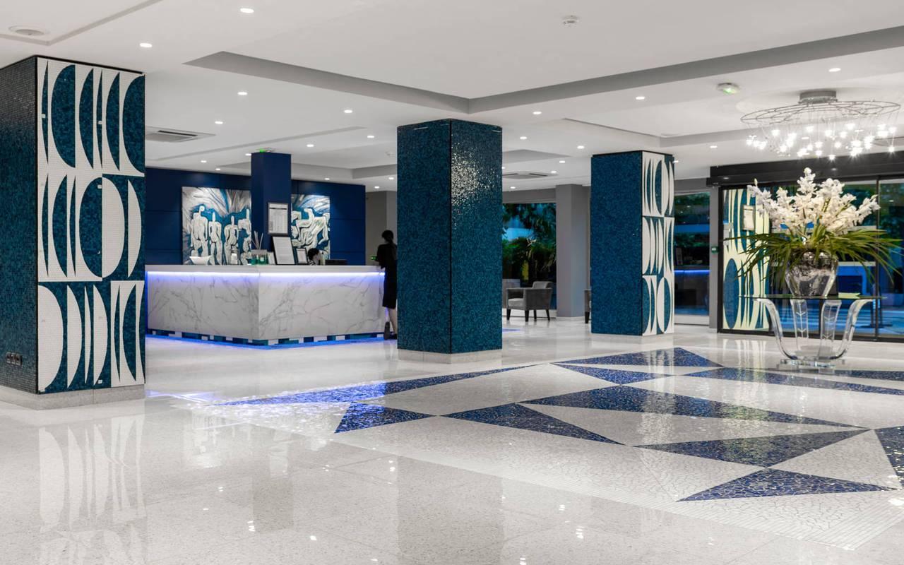 Réception et salon d'entrée, boutique hotel cannes, Juliana Hotel Cannes.