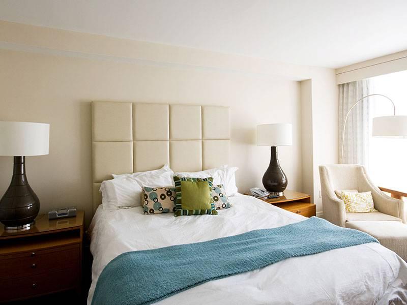 Chambre avec lit double confortable, hôtel 4 étoiles Cannes Bord de mer, Juliana Hotel Cannes.