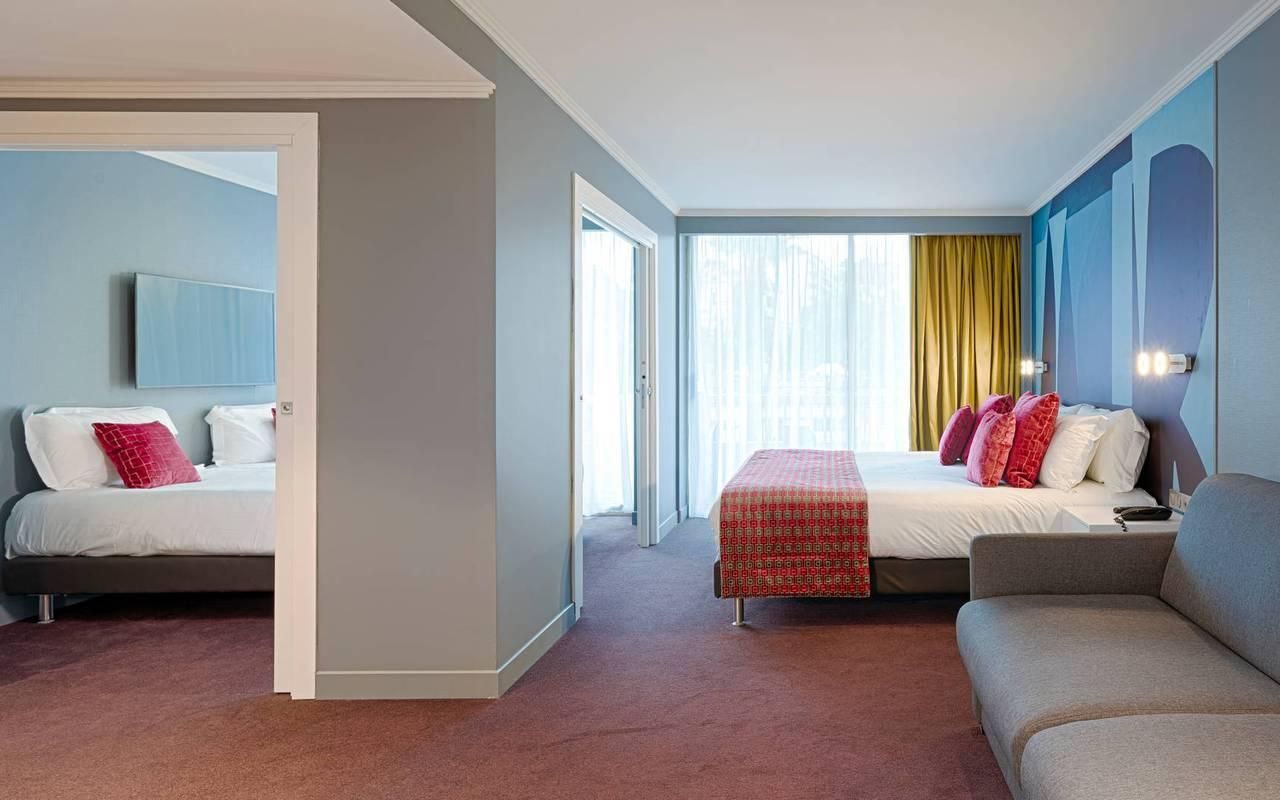 Chambre avec lit double et lits simples, hôtel cannes croisette, Juliana Hotel Cannes.