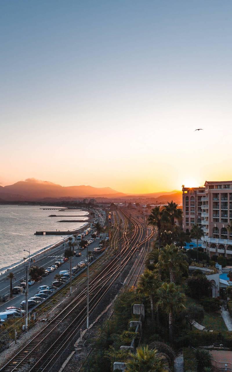 Vue de la Croisette au coucher du soleil, hotel avec piscine cannes, Juliana Hotel Cannes