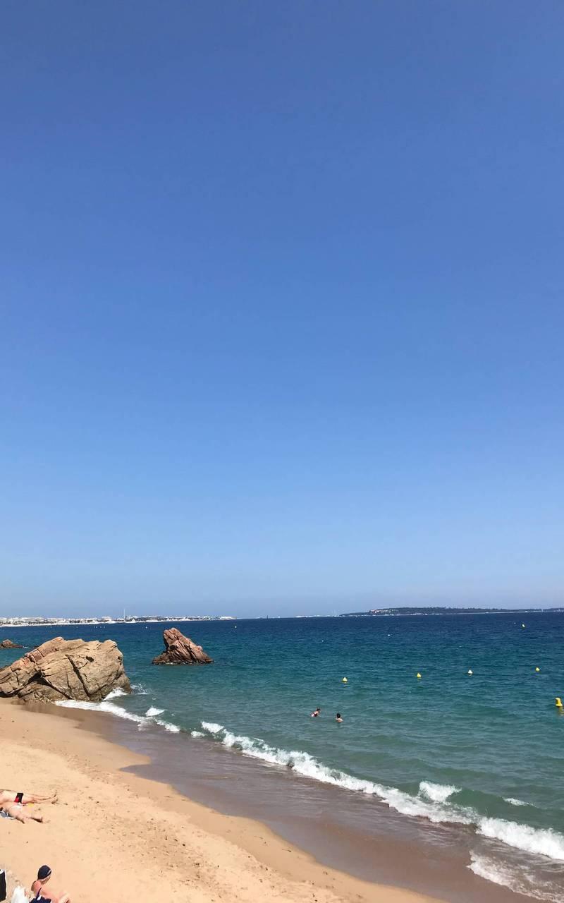 Beach, best hotels french riviera, Juliana Hotel Cannes
